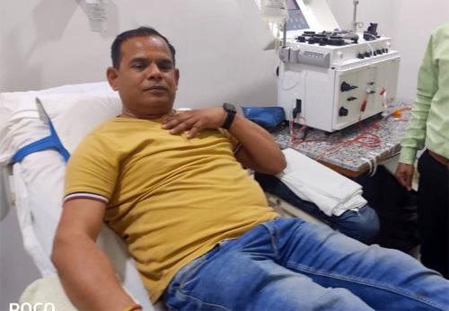 मिलिए 9 बार प्लाज्मा डोनेट करने वाले मुकेश शर्मा से